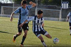 Liga Cordobesa: Empate entre Talleres y Belgrano En la tarde de...  Liga Cordobesa: Empate entre Talleres y Belgrano  En la tarde de este miércoles se recuperó el partido pendiente entre Talleres y Belgrano correspondiente a la primera fecha de la Etapa Clasificatoria 2016 de la Liga Cordobesa de Fútbol.  El encuentro se disputó en la cancha de la Liga y terminó igualado 0 a 0. El Tallerito finalizó el partido con un hombre menos debido a la expulsión de Nahuel Bustos cuando promediaba la…