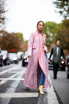 Paris Fashion Week Street Style Spring 2018 Day 6 - The Impression Cool Street Fashion, Street Chic, Trendy Fashion, Spring Fashion, Fashion Show, Paris Fashion, Fashion 2018, Couture Fashion, Style Fashion