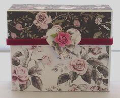 Handgemachte Geschenkschachtel mit Überraschung, Geschenkbox, Überraschungsbox,Rosenmuster Decorative Boxes, Gift Wrapping, Etsy, Gifts, Home Decor, Vintage, Worth It, Mens Jewellery, Gifts For Women