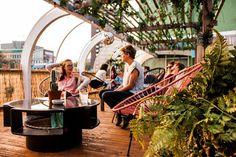 Wij Nederlanders houden wel van een vakantie naar een tropisch oord, waar het zonnetje altijd schijnt en waar het woord 'koud' niet in het woordenboek staat. Maarja… iets met geld en iets met tijd. Gelukkig hoef je nu niet meer verder te reizen dan Rotterdam.