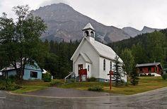 Easy hikes in Calgary, Kananaskis, Canmore and Banff, Alberta Canada + Kootenay and Yoho in BC Canada