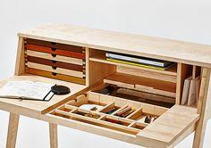Sixtematic Belle - 2:1 make up stand & writing desk / László Szikszai
