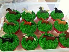 4th bday - Simple Horse Cupcakes