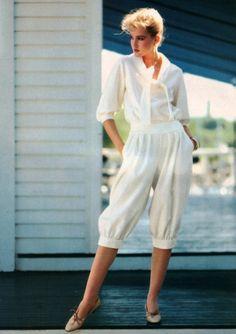 Arthur Elgort for Vogue Patterns magazine, January/February 1982. Fashion Poses, Vogue Fashion, Fashion Photo, 80s And 90s Fashion, Vogue Patterns, Sewing Patterns, Fashion History, Pattern Fashion, Vintage Fashion