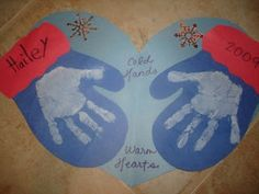 Christmas Handprint Art | Hailey had done this arts & crafts in preschool last year, and I found ..