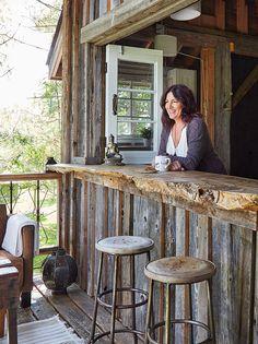 Rustic Italian Home Rustic Outdoor Kitchens, Outdoor Kitchen Design, Rustic Outdoor Bar, Outdoor Bars, Rustic Bars, Rustic Shed, Rustic Patio, Rustic Cabins, Patio Design
