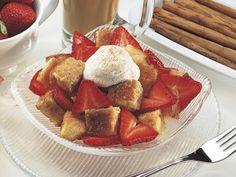 King's Hawaiian Recipe: Strawberry Shortcake Toss