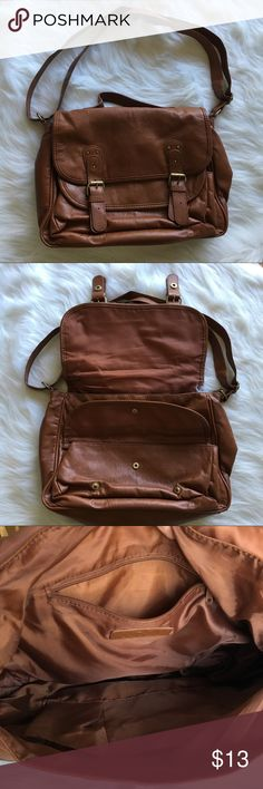 FOREVER 21 SATCHEL Light wear on this brown satchel shoulder bag. Tons of pockets and adjustable strap. Open to offers! Forever 21 Bags Satchels