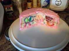 This is an awesome idea! Cassie's science project : a 3D model of an animal cell. Cake, anyone?