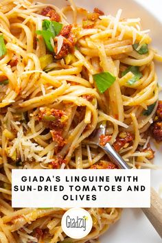 "Giada's super easy Linguine with Sun-Dried Tomatoes and Olives. This is what Giada calls a ""pantry pasta"" – most of these ingredients are pretty much always on hand in the pantry. Even so, the flavors still taste super bright and fresh! Giada Recipes, Vegetarian Recipes, Cooking Recipes, Healthy Recipes, Linguine, Italian Dishes, Italian Recipes, Olives, Pasta Facil"