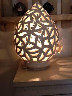 Lampada in ceramica bianca