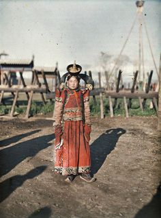 Mongolian woman. Taken in 1913 by the Russian photographer Stephen Pass