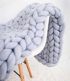 Merino wool blanket in Cloud color will match any design of your room Chunky Knit Throw, Chunky Blanket, Chunky Knits, Chunky Yarn, Knitted Blankets, Merino Wool Blanket, Fluffy Blankets, Throw Blankets, Hand Knit Blanket