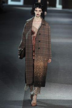 Louis Vuitton RTW Fall 2013 - Slideshow - Runway, Fashion Week, Reviews and Slideshows - WWD.com