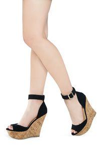Cuñas de las mujeres - de pie alto en Venta superior zapatos de cuña de JustFab!