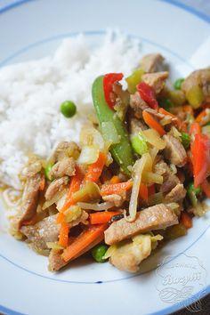 wieprzowina po chińsku z ryżem Quesadilla, Tortillas, Burritos, Kung Pao Chicken, Mango, Pork, Food And Drink, Ethnic Recipes, Caprese