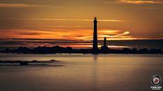 Plouguerneau (Bzh) couché du soleil sur le Phare de l'Île morte by TOine BzX | par TOine BzX