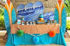 A Surf Shack Birthday Party Inspired by Teen Beach Movie Birthday Party For Teens, Luau Birthday, Birthday Party Themes, Surfer Party, Teen Beach Party, Party Kulissen, Party Ideas, Movie Party, Festa Hot Wheels