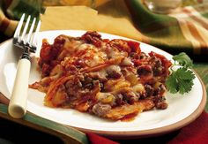INGREDIENTS:    1 lb lean (at least 80%) ground beef  1 small onion, chopped (about 1/3 cup)  1 clove garlic, finely chopped  1 can (10 3/4 oz) condensed cream of mushroom soup  1 can (4.5 oz) Old El Paso® chopped green chiles  1 can (10 oz) Old El Paso® en Search for your cookware needs:  http://cookwarereview.org