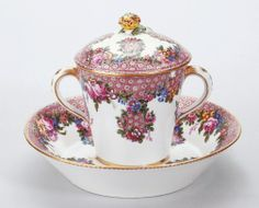 1768 French Sèvres Cup and saucer in the Royal Collection, UK Tea Cup With Lid, My Cup Of Tea, Vintage China, Vintage Tea, Tea Cup Saucer, Tea Cups, Fun Cup, Teapots And Cups, Vases