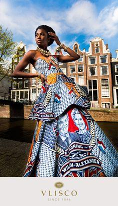 Vlisco Kings print dress - Vlisco honours Prince of Orange Willem-Alexander and Princess Máxima (04/30/2013)