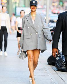 Rihanna Style, Gq Magazine, High Fashion, Womens Fashion, Oversized Blazer, Celebrity Style, Cool Outfits, Jackets For Women, Street Wear