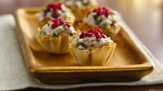 Cranberry Chicken Fillo Cups - pretty appetizers made with chicken, dried cranberries, and walnuts. These pretty appetizers made with chicken, dried . Easy Make Ahead Appetizers, One Bite Appetizers, Christmas Appetizers, Appetizers For Party, Appetizer Recipes, Phyllo Appetizers, Greek Appetizers, Chicken Appetizers, Thanksgiving Appetizers