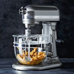 Meet the first KitchenAid mixer to combine a dramatic glass bowl with the convenient bowl-lift mechanism preferred by most professional bakers. Our Professional 6500 Design Series stand mixer also boasts the company's quietest motor for p Kitchen Baskets, Toy Kitchen, Kitchen Items, Kitchen Aid Mixer, Kitchen Appliances, Kitchen Tools, Kitchens, Kitchenaid Food Processor, Food Processor Recipes
