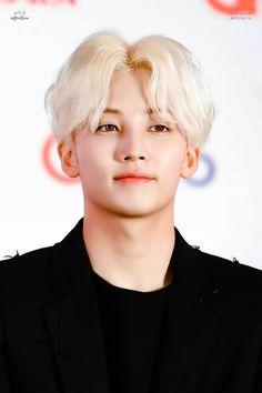 Jeonghan ~ Looking so damn fine