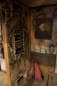 For more detailing information visit Amazingly detailed haunted house wall. For more detailing information visit Halloween Prop, Spooky Halloween Decorations, Halloween Projects, Holidays Halloween, Halloween 2019, Halloween Supplies, Paper Halloween, Disneyland Halloween, Halloween Witches
