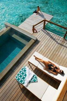 Four Seasons hotels on the Maldives