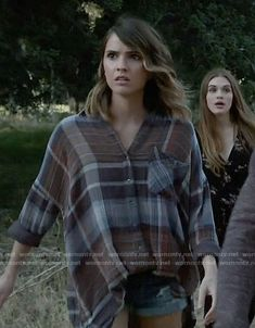 Malia's oversized plaid shirt on Teen Wolf.  Outfit Details: https://wornontv.net/64690/ #TeenWolf