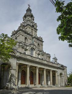 Église Saint-Enfant-de-Jésus du Mile-End sur la rue Saint-Dominique | © Caroline Bergeron