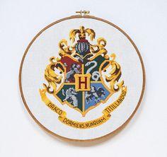 Hogwarts Cross Stitch Pattern, Harry Potter Cross Stitch Pattern, Hogwarts Crest Modern Easy Chart, Hogwarts, Pdf Format, Instant Download