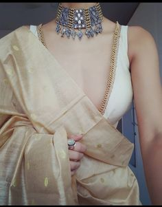 Indian Fashion Dresses, Indian Designer Outfits, Fashion Outfits, Fashion Trends, Sari Blouse Designs, Fancy Blouse Designs, Kurta Designs, Indian Wedding Outfits, Indian Outfits