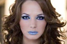 Znalezione obrazy dla zapytania makijaż wieczorowy z kolorem Fashion, Moda, Fashion Styles, Fashion Illustrations