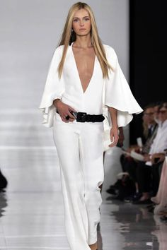 Ralph Lauren, 2014 Spring/Summer, 2013 New York Fashion Week. Vestidos Fashion, Fashion Dresses, New York Fashion, Modelos Fashion, Mode Style, White Fashion, Fashion Tips, Fashion Design, Fashion Trends