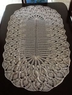 Table runner Table Runners, Projects To Try, Crochet Dolls, Templates
