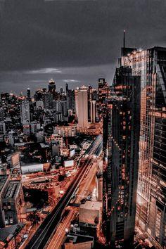 Night Aesthetic, City Aesthetic, Travel Aesthetic, Urban Aesthetic, Building Aesthetic, Aesthetic Dark, Aesthetic Backgrounds, Aesthetic Iphone Wallpaper, Aesthetic Wallpapers