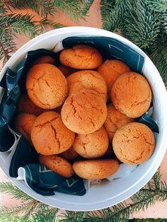 Szuperfinom mézes puszedli | Street Kitchen Christmas Snacks, Xmas Food, Healthy Snacks, Healthy Recipes, Hungarian Recipes, Kaja, No Cook Meals, Sweet Recipes, Brunch