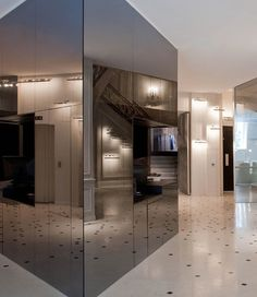 Mirrored Cube - 'La Maison Champs-Elysees', Hotel by Martin Margiela