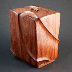 Medal of Honor Urns This Medal of Honor cremation urn was designed and created by Idaho artist, John Sword. John donates these urns to. Wooden Box Designs, Pet Urns, Cremation Urns, Treasure Chest, Wood Boxes, Epoxy, Fur Babies, Jewelry Box, Woodworking