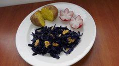 Varza rosie cu nuci si cartofi copti Sushi, Good Food, Ethnic Recipes, Healthy Food, Yummy Food, Sushi Rolls