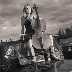 Sabe Flores Singer/Songwriter Cello Instruction