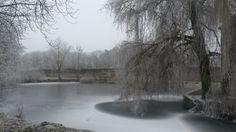 Ce dimanche 1er janvier, Magny-les-Hameaux est sous la neige et le givre. Des paysages magnifiques à perte de vue. Parmi ces paysages, le Musée national de Port Royal des Champs.