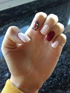 77 natural dip powder nails that will look amazing in every season 8 Cute Nail Colors, Nail Polish Colors, Dream Nails, Love Nails, Gelish Nails, Nail Nail, Shellac, Burgundy Nails, White Burgundy