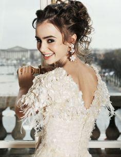 OMG SHE LOOKS LIKE NINA DOBREV IN THIS PIC. D: Like Nina Dobrev playing Catherine in TVD!! :O