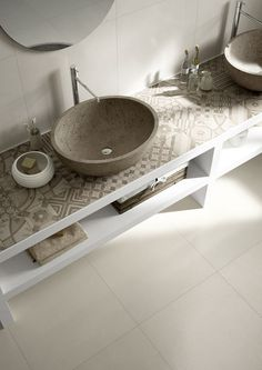 We're blown away by this countertop with beautiful patterned porcelain tiles.