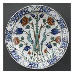 Plat au cyprès- Musée national de la Renaissance (Ecouen)