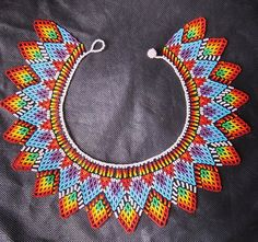 Collar embera #artesaniasdecolombia #embera #artesanias #indigena...